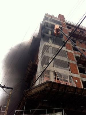 incêndio-construção