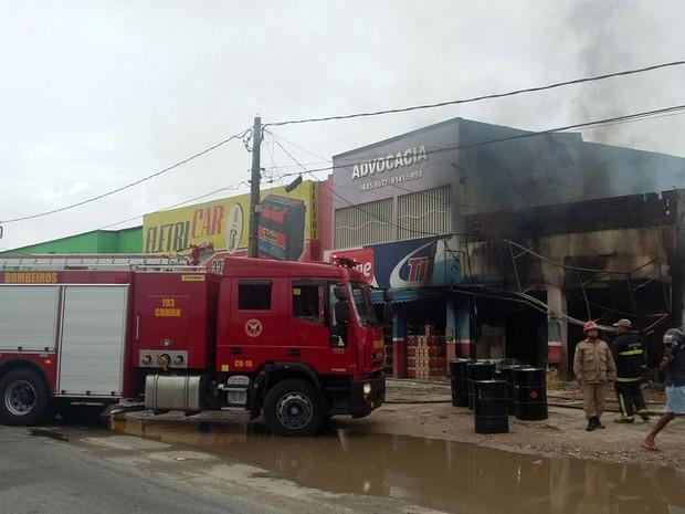 Incêndio foi controlado pelos bombeiros (Foto: Sérgio Henrique Santos/Inter TV Cabugi)