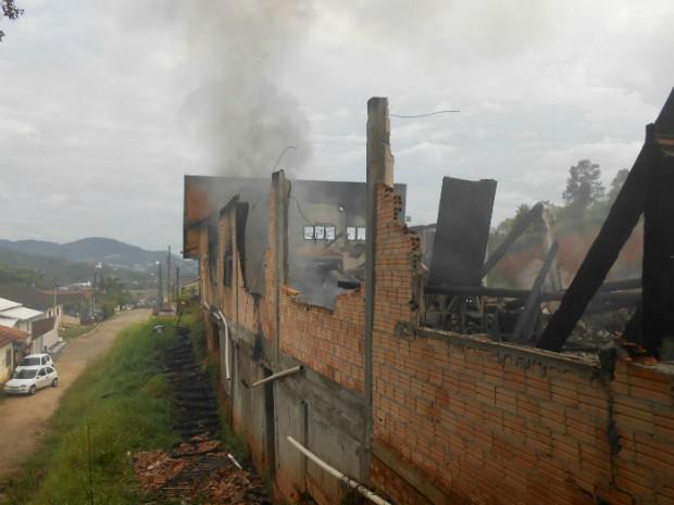 Não houve feridos (Foto: Corpo de Bombeiros de São João Batista/Divulgação)