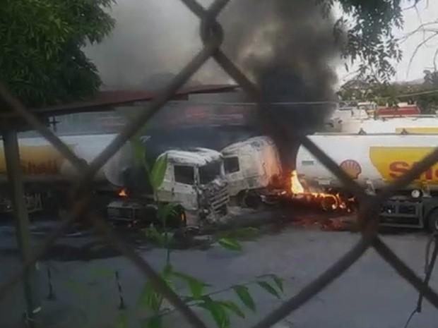 Caminhões-tanque ficaram danificados em pátio de transportadora em Betim (Foto: André Luiz dos Santos/Arquivo pessoal)