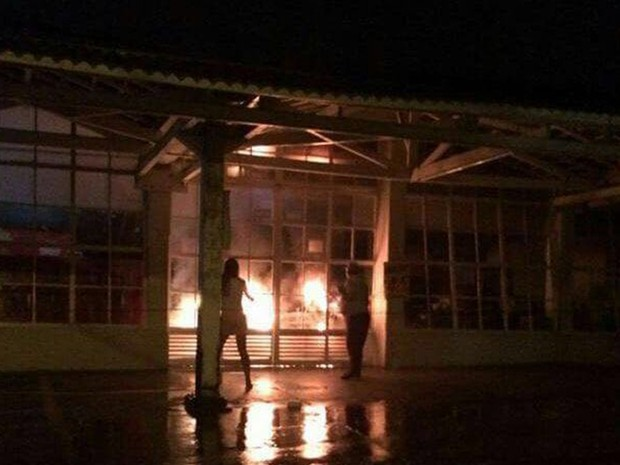 Incêndio em mercado de Catanduva (Foto: Reprodução / TV TEM)