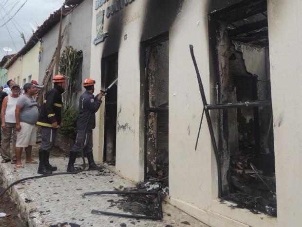 Fogo começou na tarde de terça-feira (29) (Foto: Divulgação/Prefeitura de Boa Vista do Tupim)