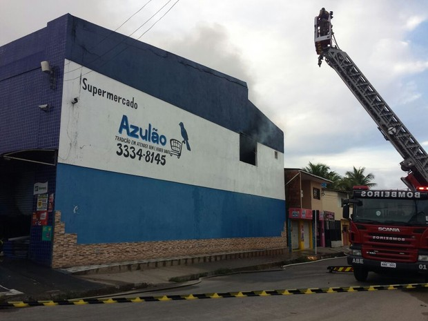 Toda mercadoria foi perdida (Foto: Heliana Gonçalves/ TV Gazeta)