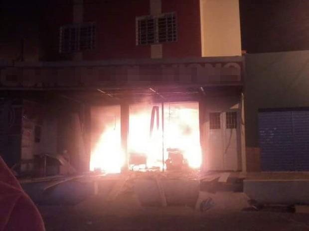 Supermercado pega fogo e destroi depósito e produtos da loja no Piauí (Foto: Arquivo Pessoal)