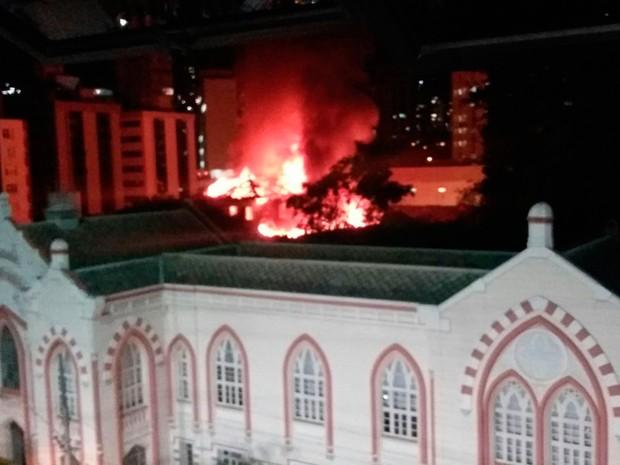 Incêndio atinge hospital em Belo Horizonte (Foto: Priscilla Silva Macedo/Arquivo Pessoal)