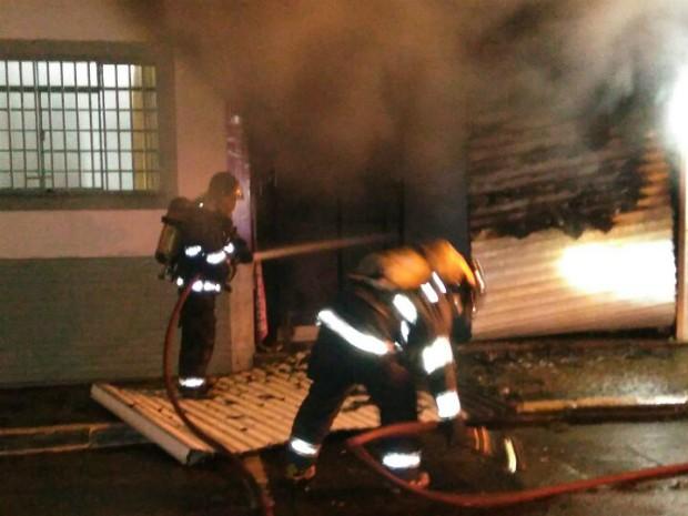 Incêndio atinge loja de variedades no Centro de Itu (Foto: GCM de Itu/Divulgação)