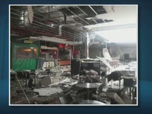 Incêndio atingiu praça de alimentação de shopping de Limeira (Foto: Divulgação/Defesa Civil)