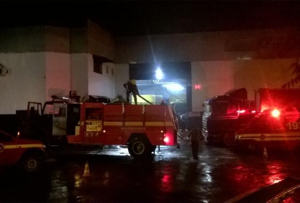 Incêndio consumiu um depósito de bebidas em Conselheiro Lafaiete, na região Central de Minas Gerais