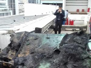 Incendio no IRB (Foto: Cristina Boeckel/G1)