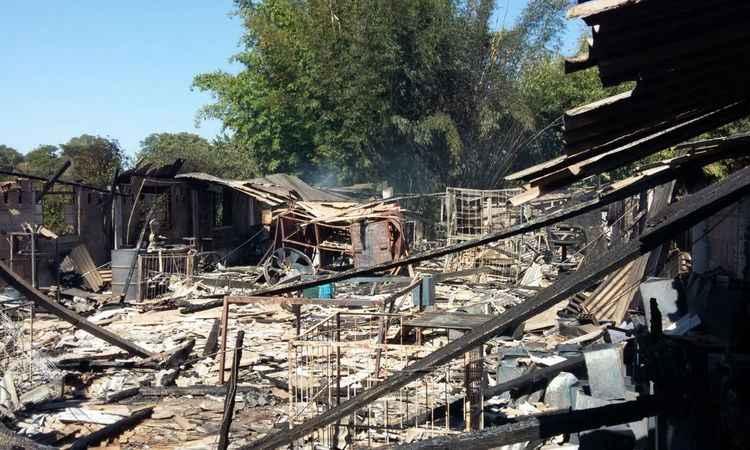 Ninguém ficou ferido no incêndio (foto: Corpo de Bombeiros/Divulgação)