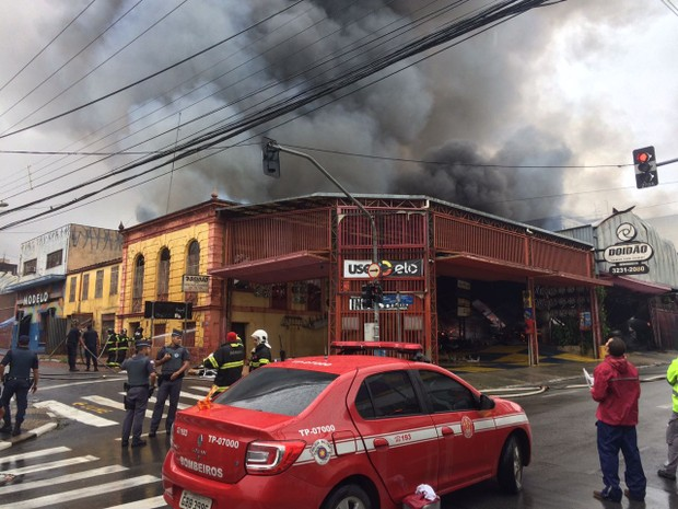 Rua Benjamin Constant é interditada no Centro de Campinas  (Foto: Roberta Steganha / G1 Campinas)