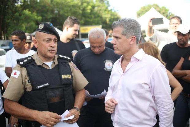 Militares estiveram no local e apresentaram o embargo da Justiça ao evento