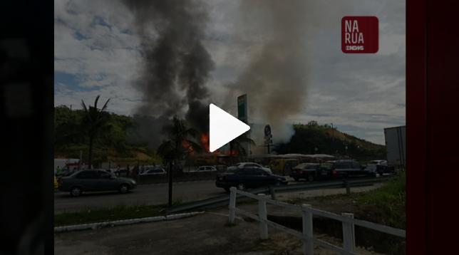 3f2f33d77 Incêndio destrói restaurante Kiosque do Alemão em Itaboraí e deixa três  feridos
